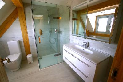 mark Bywater,  bespoke bathrooms